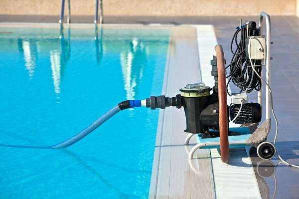 What Setting Should My Pool Pump Be On to Vacuum